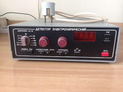 Электрохимический детектор БЛОК 5.184.007 передняя панель